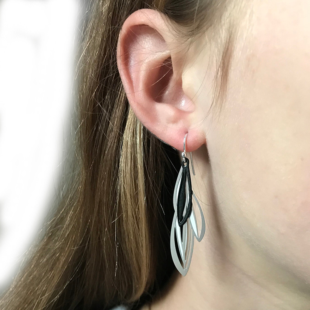 Double leaf earrings (Colour front)