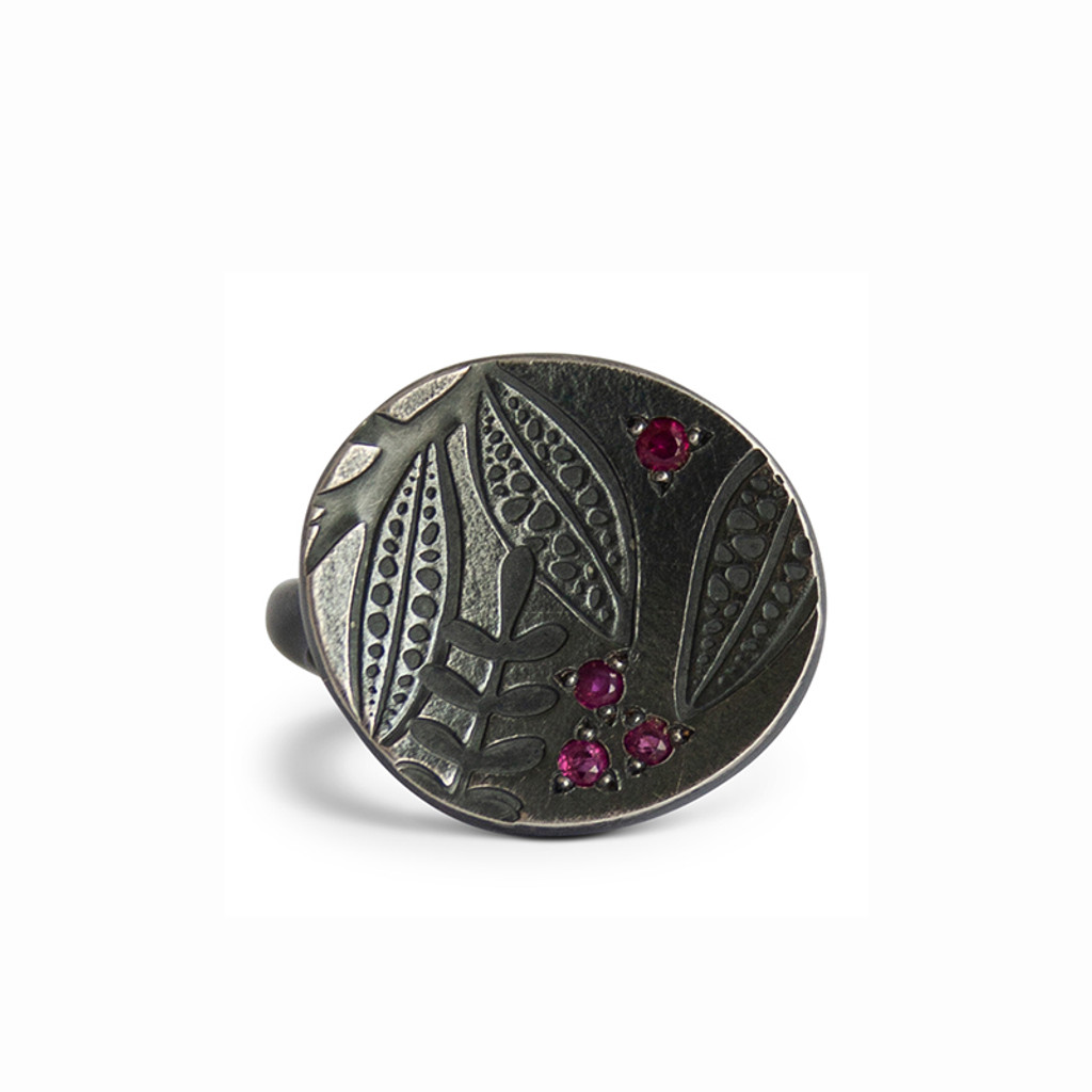 Leaf imprint ruby disc  ring