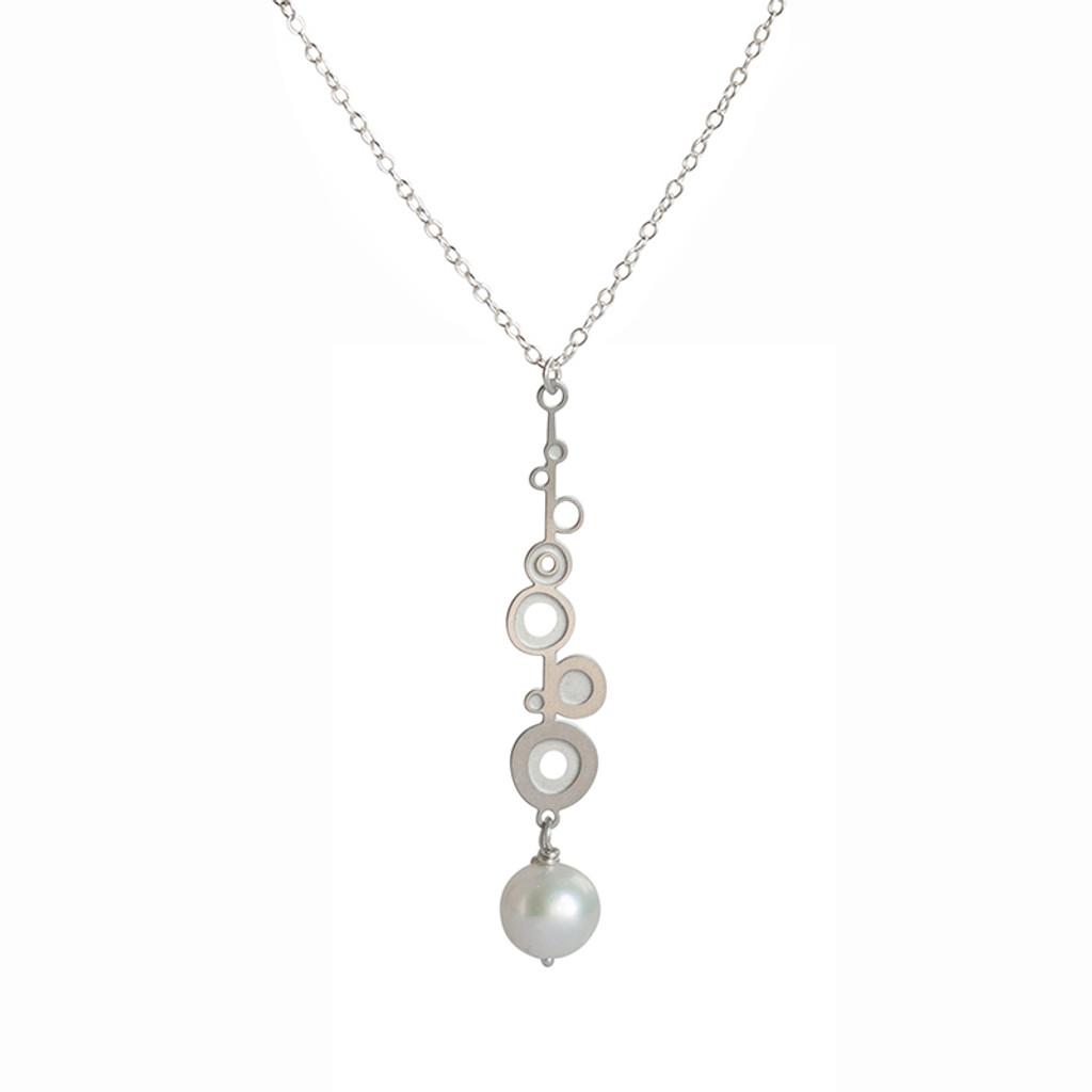 Fresh water pearl steel bud drop pendant
