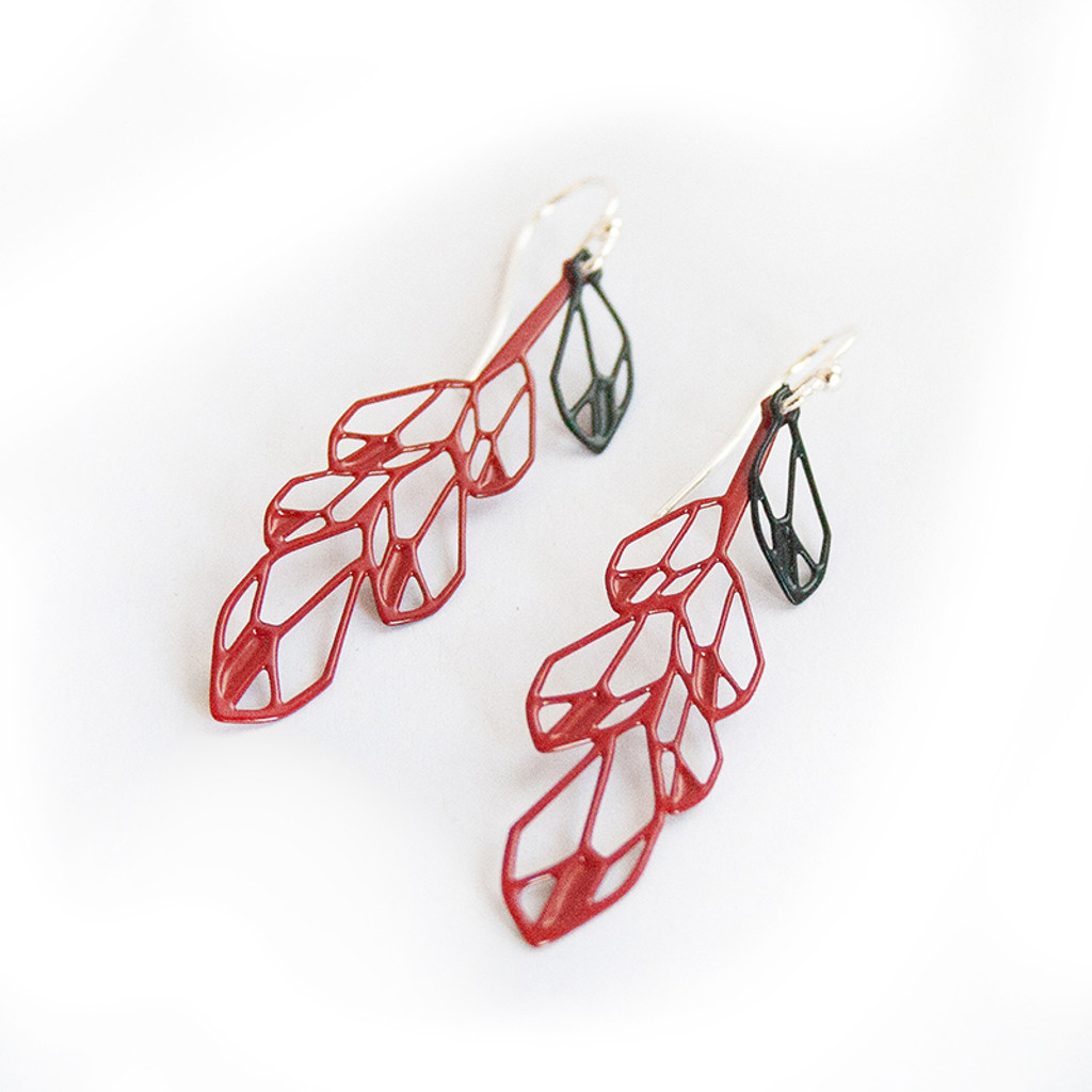Feather earrings small black and red