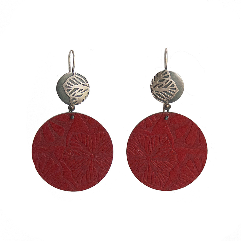 Red daisy silver and aluminium round earrings