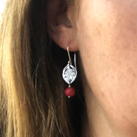 Small leaf red bead earrings