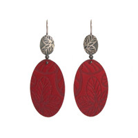 Red daisy silver and aluminium oval earrings