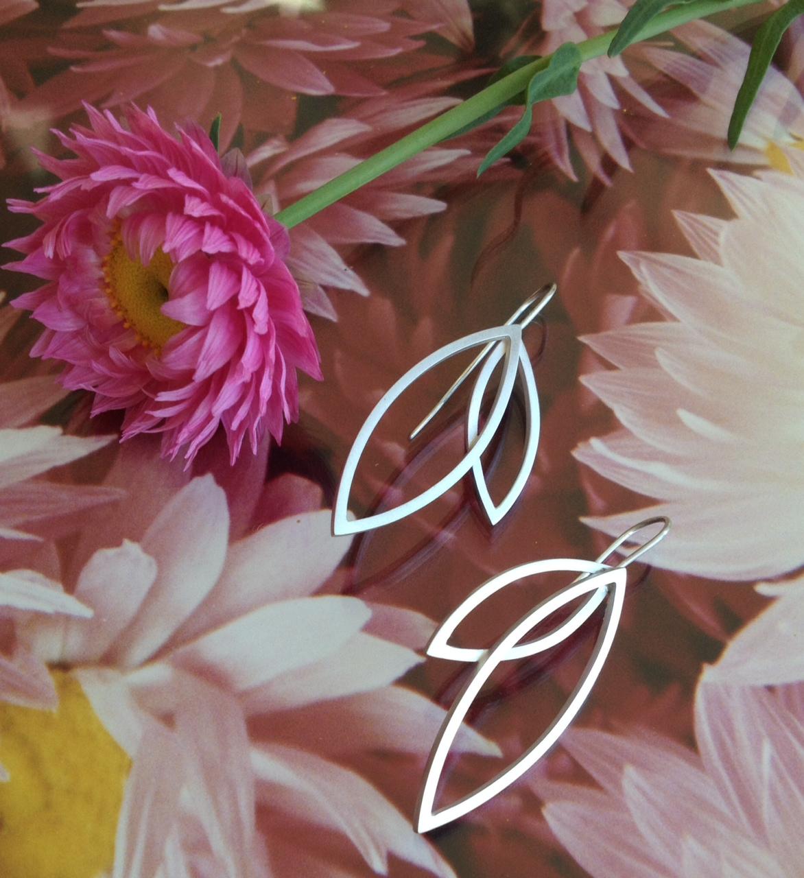 petal-earrings2.jpg