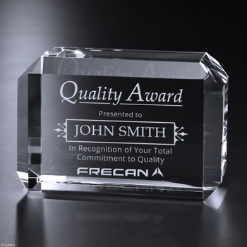 An incredible canvas for a message of gratitude or congratulations, the Bracken Rectangle is the perfect choice to toast your recipient. The rectangular face has ample room for your tailored message. Your recipient's face will light up when they are presented with this gorgeous award.