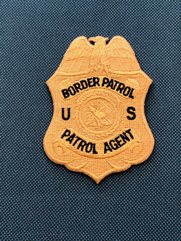 """BORDER PATROL AGENT""  Patch ON GREEN PADFOLIO"