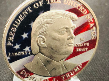 PRESIDENT TRUMP COIN  COLOR USA FLAG EAGLE