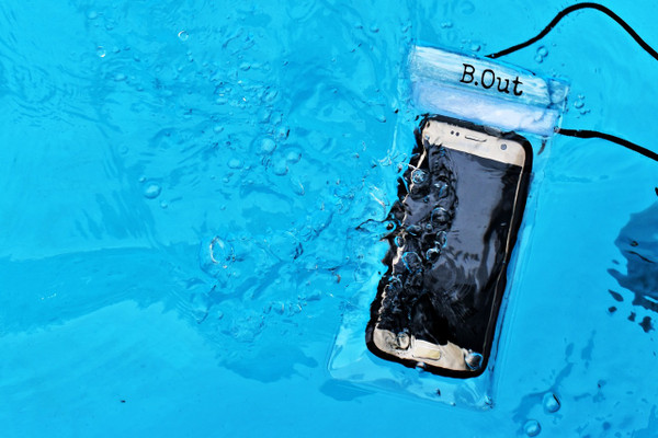 B.Out WATERPROOF Cell Phone Bag (Clear)