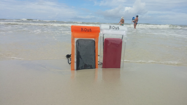 Love the beach, but hate sand in your stuff?