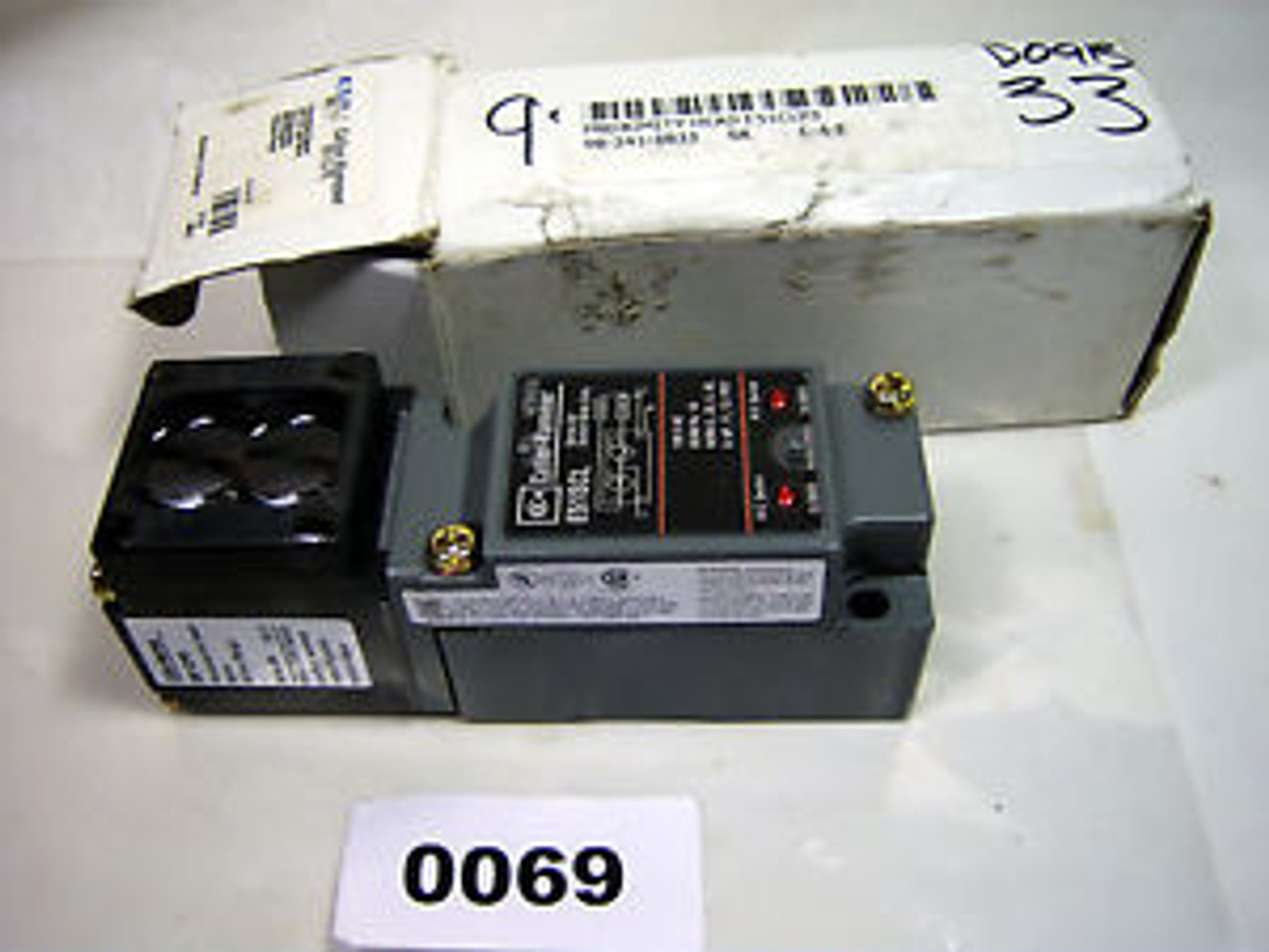 Cutler Hammer Photoelectric Sensor Switch NEW 14102AQD03
