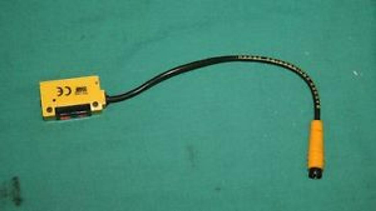 BANNER PD45VP6C300Q Photoelectric Laser Sensor  NEW