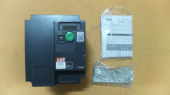 New In Box SCHNEIDER ELECTRIC ATV320U22N4C Variable Speed Drive 3-Phase 2.2kW