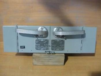 ITE V7B3211 VACU-BREAK  SWITCH (TWIN) V7B3211, USED/CLEANED/TESTED