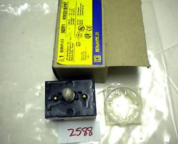 (2588) SQUARE D PUSHBUTTON 250VAC 2.5A SERIPLEX MODULE 9001-KM351BPRT