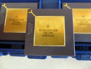 10PC NEW MC68030RC40B MOTOROLA 32 BIT PROCESSOR