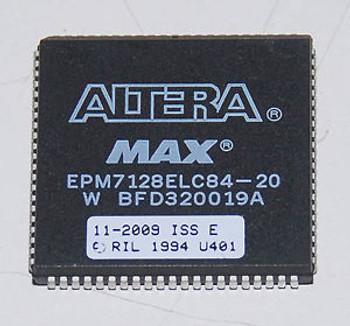 (20) Altera MAX EPM7128ELC84-20 EPROM