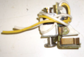 CUTLER HAMMER SHUNT TRIP 110-240VAC 110-125VDC K-FRAME