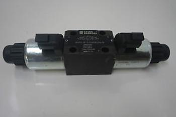 new sauer danfoss solenoid directional valve DCV03-3C11/01200E12N2/M