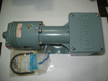 New Moore 173S Pneumatic Pressure Transducer