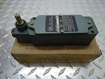 ALLEN BRADLEY 802T-AT OILTIGHT LIMIT SWITCH 600VAC 10 AMP NEW