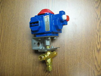 3 Way Parker Brass Ball Valve with Actuator  - 6Z-B6XLJ-V-B-51ACX