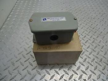 BEC CONTROLS GP8-44YWFB2 PRESSURE TRANSMITTER RANGE  0-10 WCD