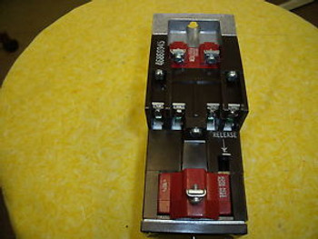 #581 Cutler Hammer Type M Latched Relay D26MR402  SER A3