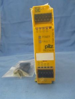 Pilz PNOZ mo1p 773500 Safety Module Relay