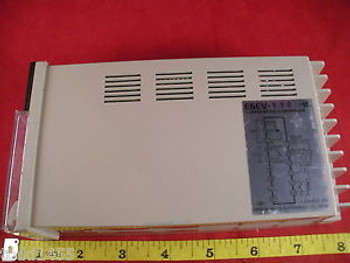 Omron E5EV-R90-US Temperature Controller Thermocouple E5EV-R90 Output 5a 120 New