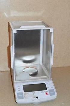OHAUS EXPLORER MODEL E11140 DIGITAL SCALE