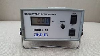 Great Condition CNMC Model 10 Radiation Dosimeter/Electrometer