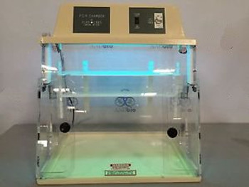 PLAS Labs 825-UVC PCR Hood UV
