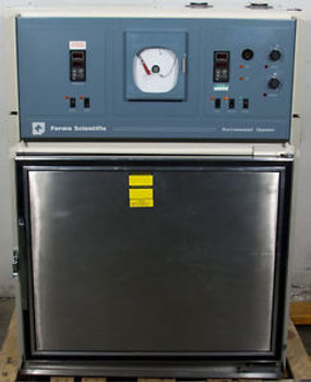 Thermo Scientific/Forma 3911 Environmental Chamber 31 W x 24 H x 27 D