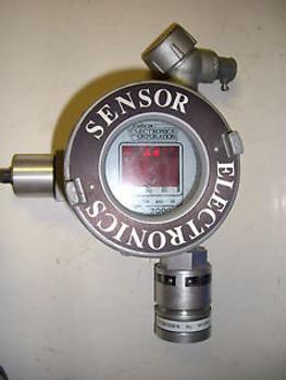 Sensor Electronics Corp SEC 2000 Gas Detector in Killark Exp Proof Encl #HKB0894