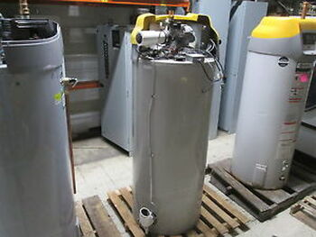 A.O. Smith Water Heater BTH 250 100 100 Gal 250000 Natural Gas 120V 60Hz 5A Used