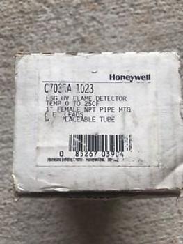 Honeywell C7035A FSG UV Flame Detector 0-250F NEW