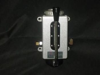 Jin Yin  One Shot Manual Lubrication Pump Model Clausing Kondia Part # 100-7/1