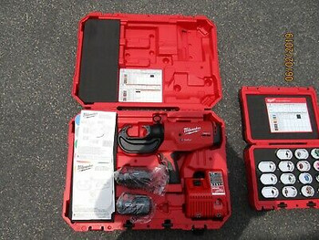 Milwaukee 2779-20 M18 750 Mcm Wire Crimper With 49-12- Kita Die Kit