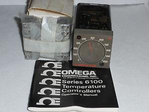 Omega Series 6000 Temperature Controller Model 6102