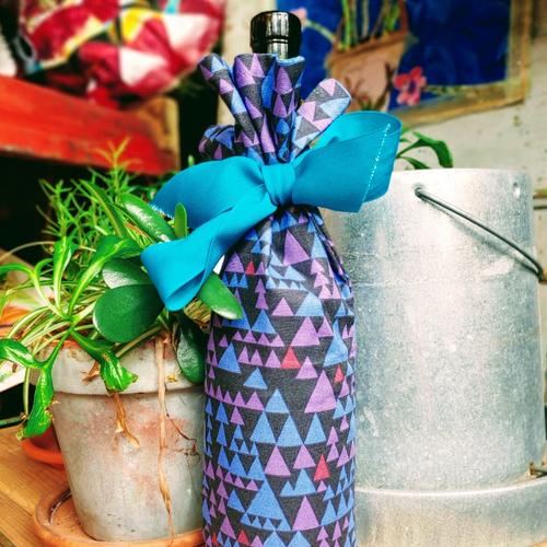 Medusa Spikes Wine Bag