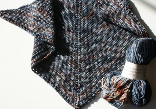 Triangular scarf - Touch of Rust - grey