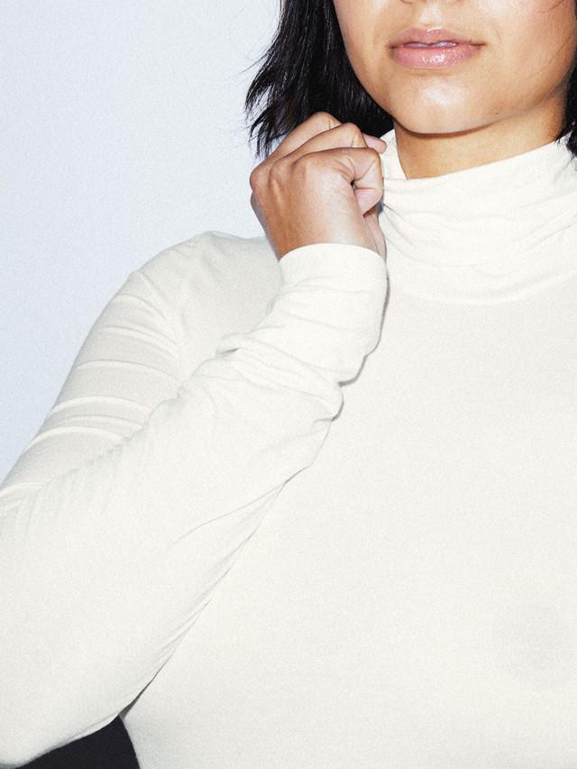 Mix Modal Long Sleeve Turtleneck (Star White)