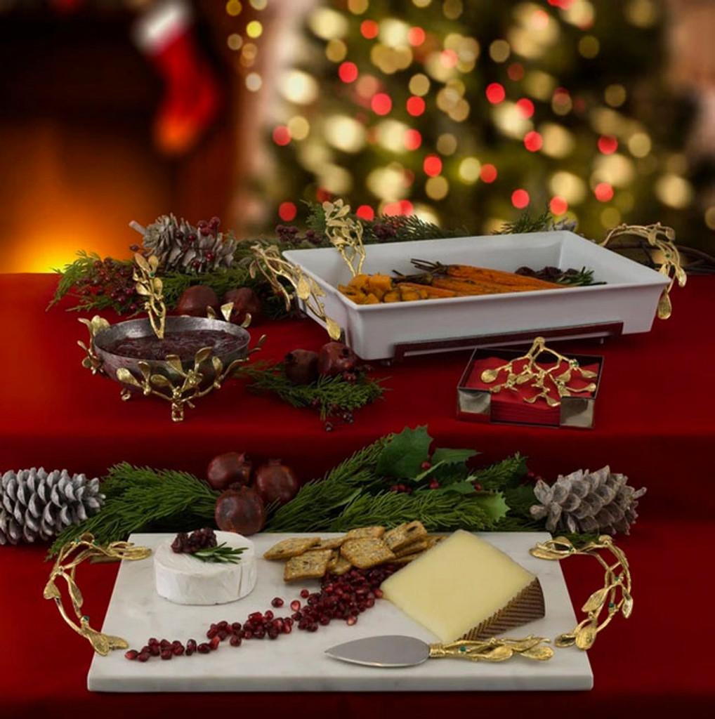 Mistletoe Casserole Server