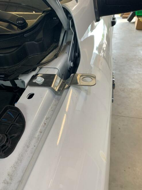 2019-2020 - Dodge RAM 2500 - No Hole Antenna Fender Mounting Bracket DS
