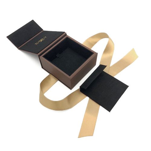 8909 High Quality American Leatherette and China Suede Earring and Pendant Box