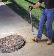 Manhole Lid Lifter 1