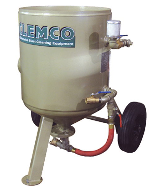 Clemco Model 2443 LoPot, Pot Only, 1-1/4 inch Piping