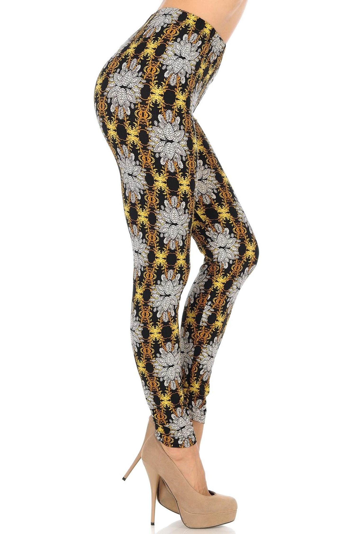 Brushed Elegant Emblem Leggings