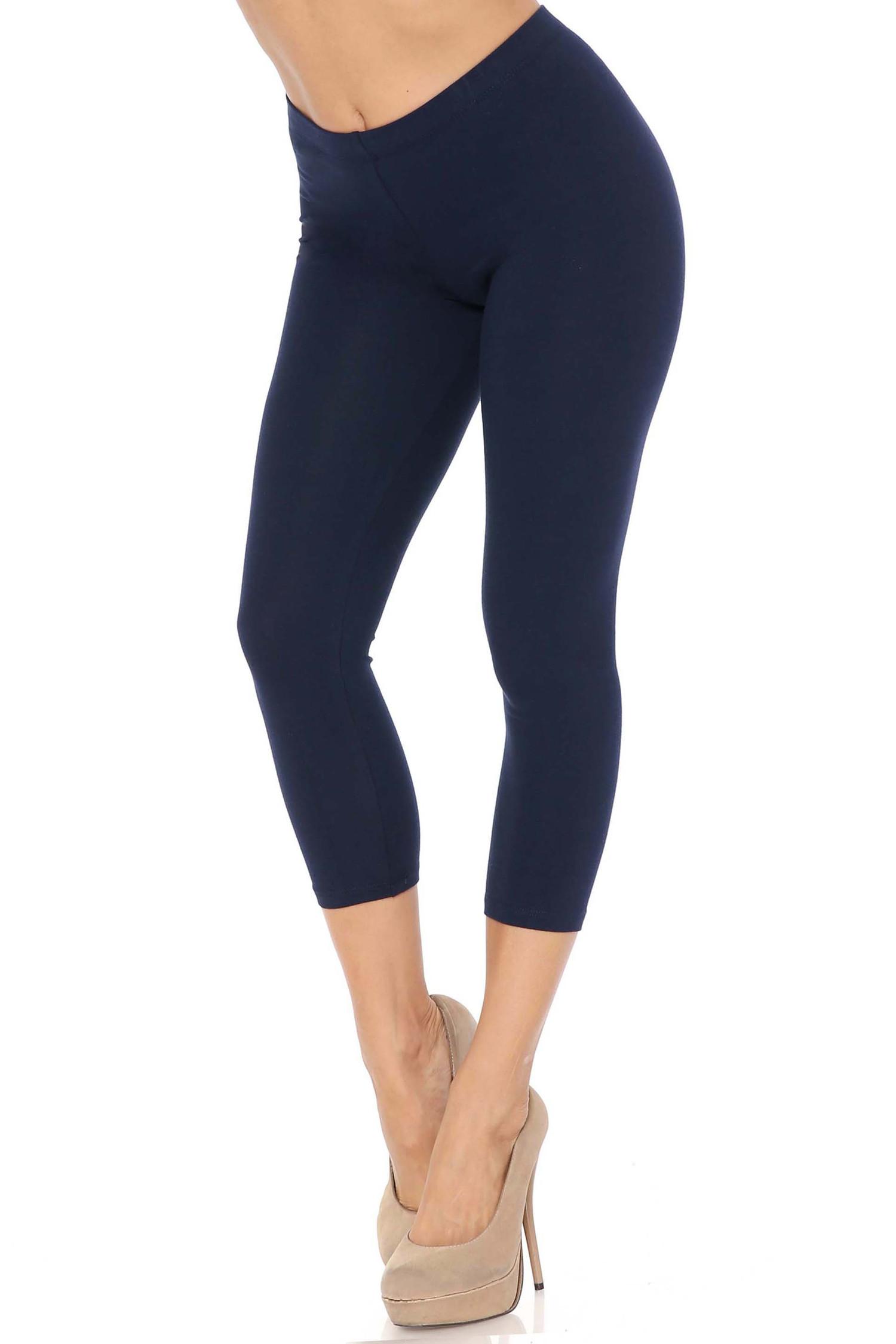 45 degree angle of navy USA Cotton Capri Length Leggings