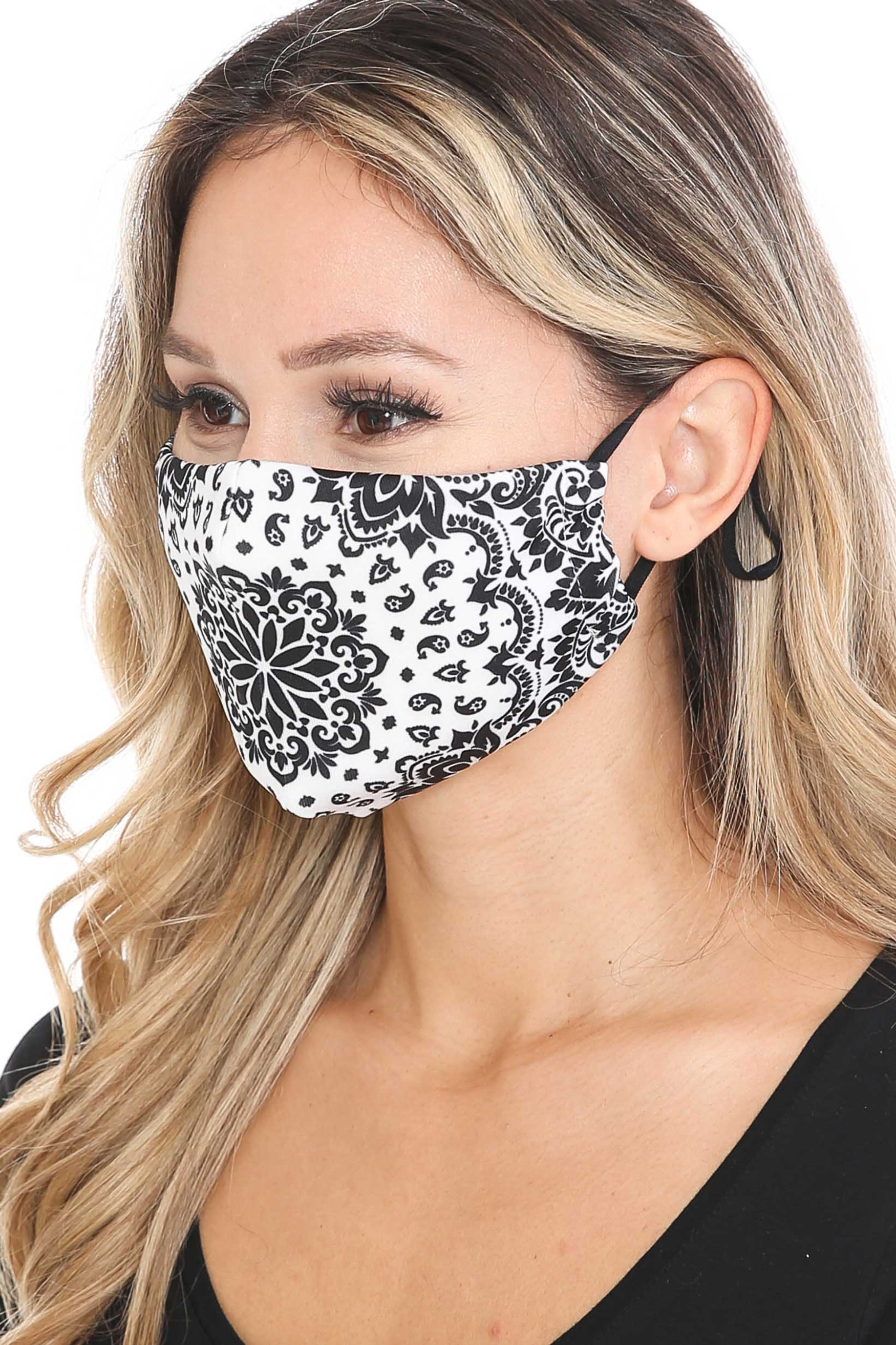 Black and White Blooming Paisley Graphic Print Face Mask